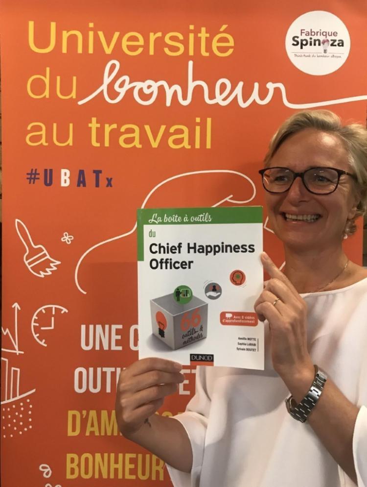 Parution de « La boîte à outils du Chief Happiness Officer » co-écrit par Amélie Motte, Sylvain Boutet et Saphia Larabi de la Fabrique Spinoza